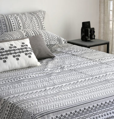 Mosaic Print Cotton Bed Sheet – Black- With 2 pillow covers