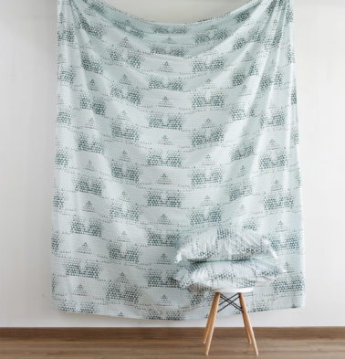 Star Triangle Cotton Fitted Bedsheet - Green