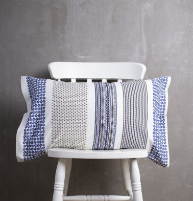 Broad Border Cotton Pillow Cover Blue