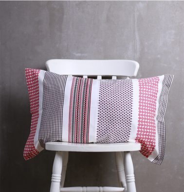 Broad Border Cotton Pillow Cover Pink