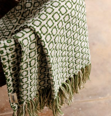 Kaithari Handwoven Cotton Throw Green/White