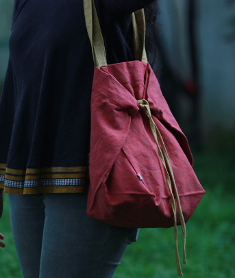 Tote Bag by Thoppia