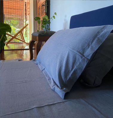 Chambray Bedsheet Blue/White- With 2 pillow covers